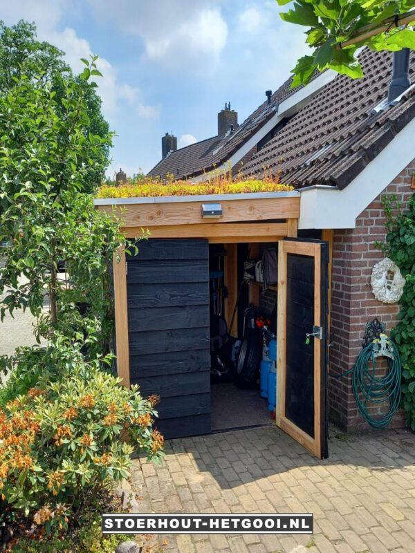 Maatwerk afsluitbare fietsenberging met sedumdak-Meent | Stoerhout-hetgooi.nl