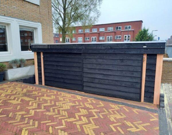 Maatwerk fietsenhok met afsluitbare schuifdeuren   Stoerhout-hetgooi.nl