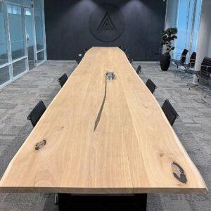 Eikenhouten vergadertafel voor 30 personen op maat gemaakt | Stoerhout-hetgooi.nl