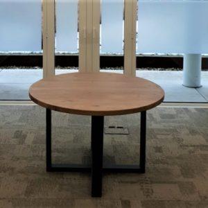 Handgemaakte ronde eikenhouten vergadertafel met stalen U-poten | stoerhout-hetgooi.nl