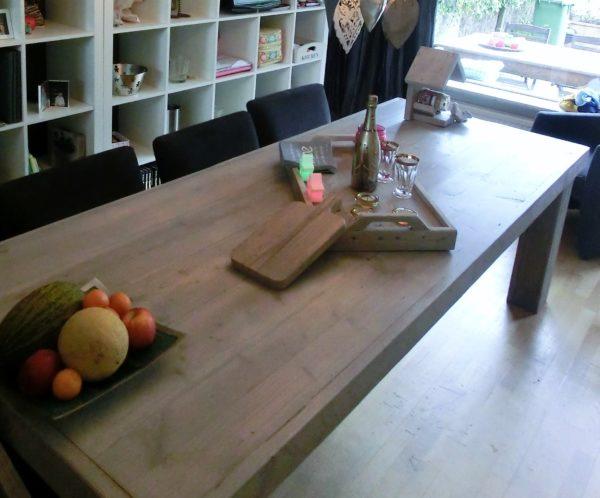 Handgemaakte stoere houten eettafel voor 8 personen | stoerhout-hetgooi.nl