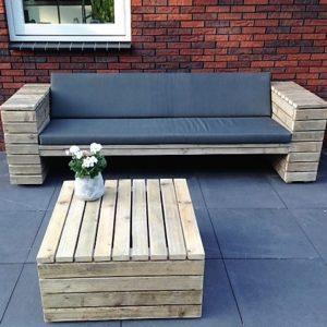 Met de hand gemaakte halfopen rechte loungebank met halfopen armleuningen van latten | stoerhout-hetgooi.nl