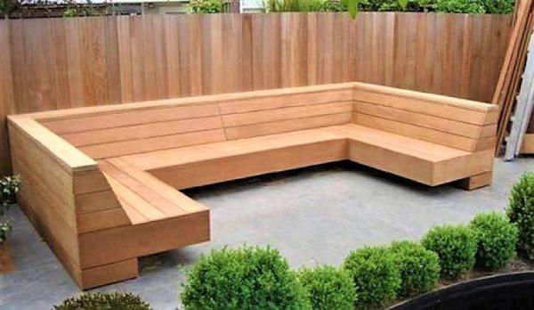 Met de handgemaakte zwevende loungebank in U-vorm van douglashout   stoerhout-hetgooi.nl
