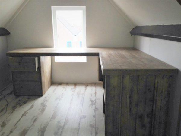 Op maat gemaakt houten hoek bureau met kastjes   stoerhout-hetgooi.nl
