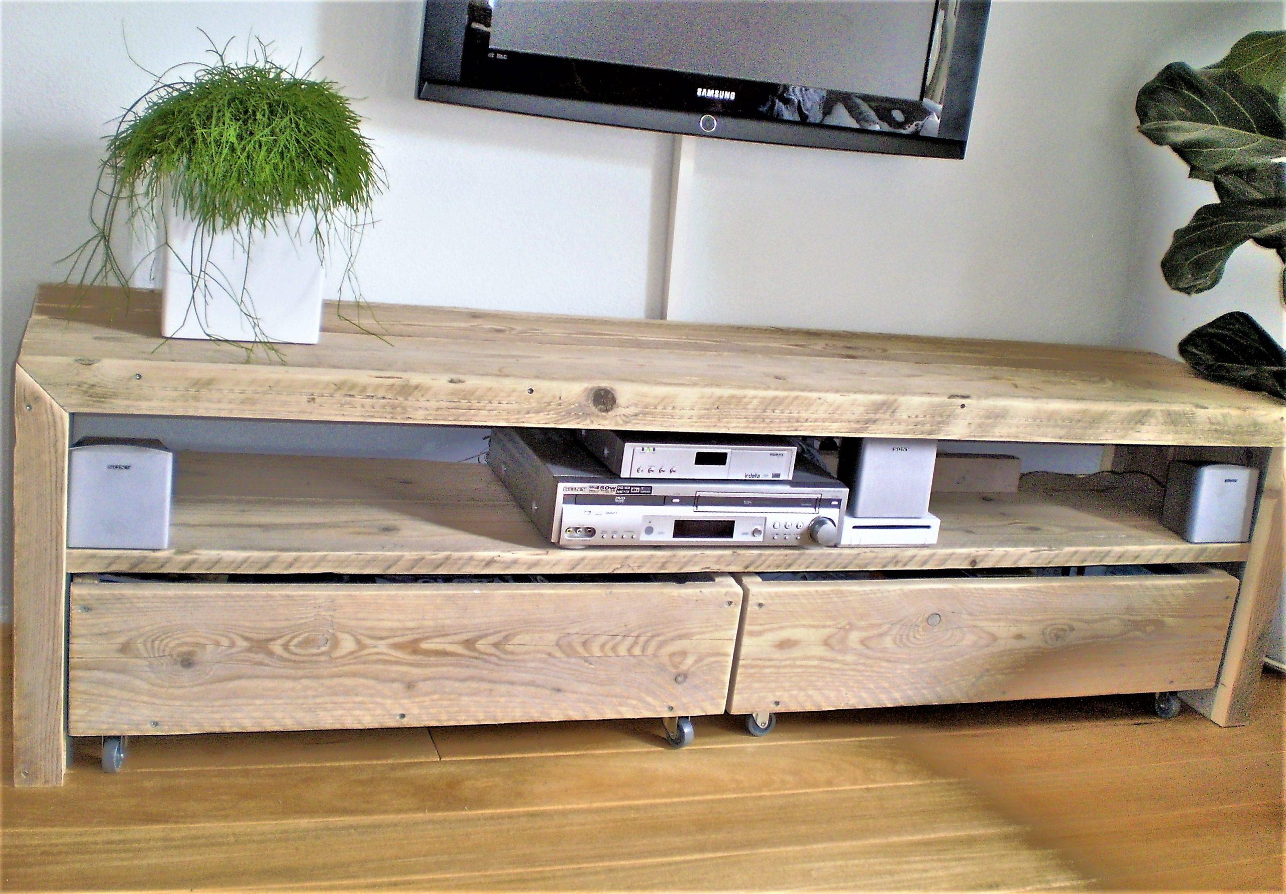 Tv Kast Handgemaakt.Robuust Handgemaakt Steigerhouten Tv Meubel Met 2 Lades En 1 Groot