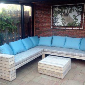 Zeer fraai met de hand gemaakte loungeset met bijpassende tafel | stoerhout-hetgooi.nl